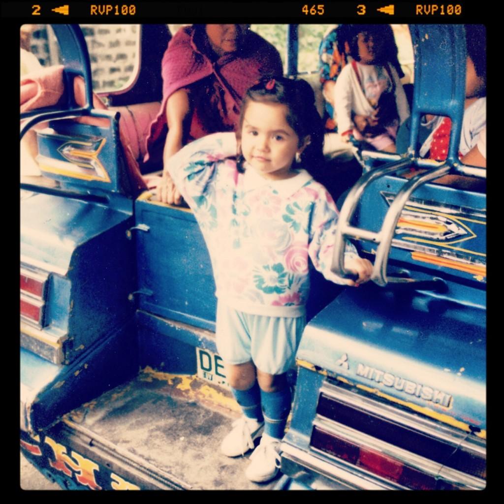 Das Jeepney und ich - 1987 auf den Philippinen (c) Herbert Till
