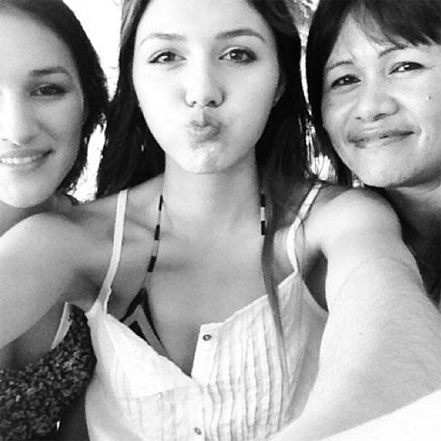 """Anna Maria Damm mit ihrer Schwester und ihrer Mutter (c) <a href=""""instagram.com/annamariadamm"""">Anna Maria Damm via Instagram</a>"""