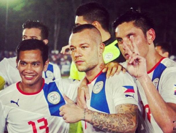 Stephan Schröck (mitte) ist zum Spieler des Jahres 2013 auf den Philippinen gewählt worden (c) Instagram