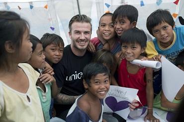 Der ehemalige Fußballer David Beckham zu Besuch in Tacloban© UNICEF/ Per-Anders Pettersson