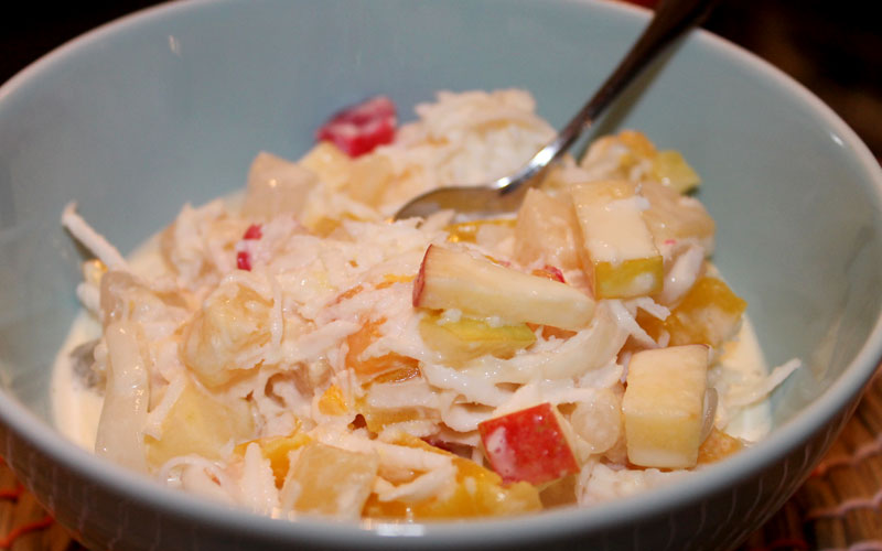 Ideal für sommerliche Tage: ein philippinischer Obstsalat © V. Till