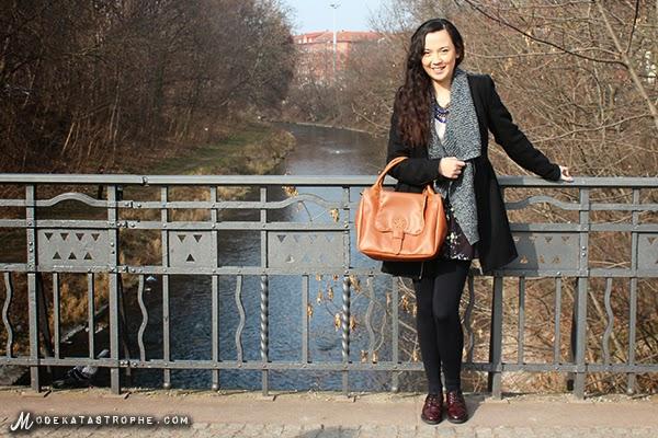 "Die Halb-Filipina Yinyin bloggt auf ""Modekatastrophe"" © Yinyin"