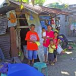 Kleine Hütten, die von den Spendengeldern gebaut wurden © Marilou Misagal-Bosshammer