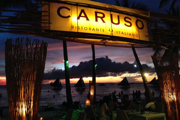 """Das italienische Restaurant """"Caruso"""" direkt am Strand."""