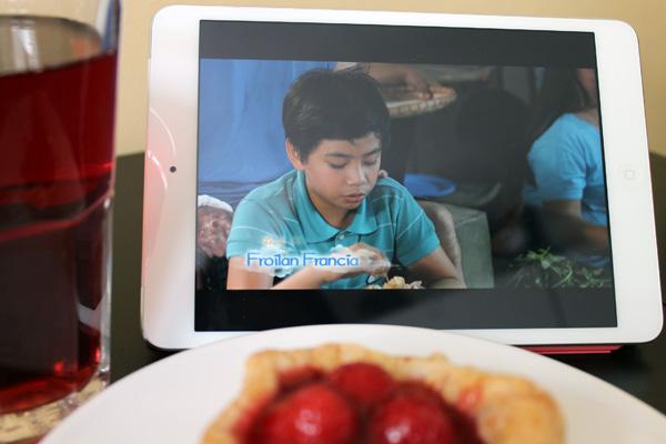 Eine philippinische Serie läuft auf einem iPad.