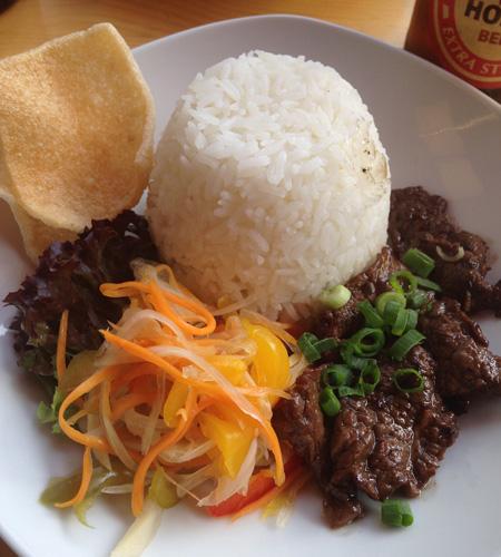 Teller mit Tocino Beef im Ayan.